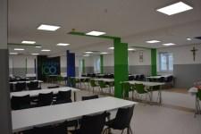 Új ebédlőt és konyhát adtak át a nyergesújfalui szalézi középiskolában