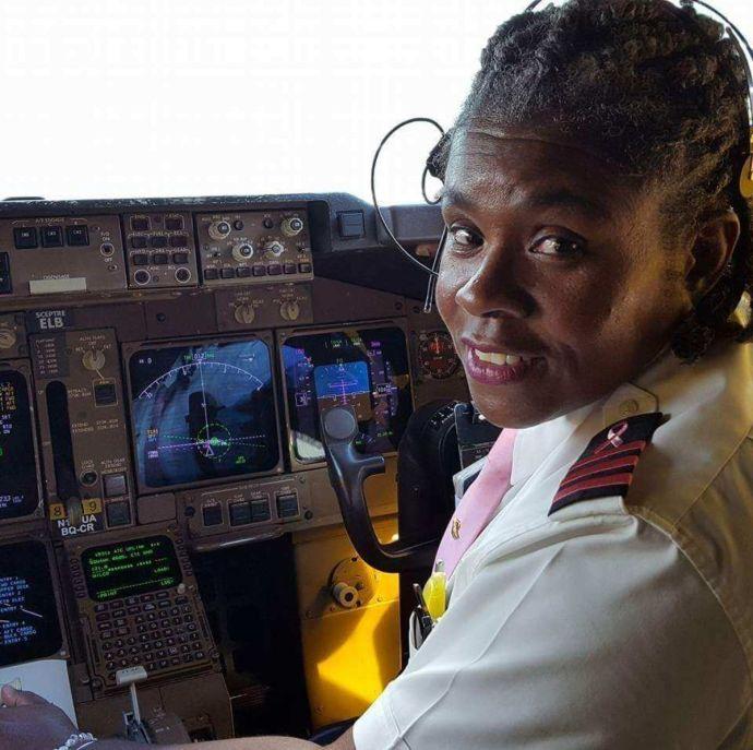 Néger nők  fogják az egekbe emelni az utasbiztonságot a United Airlines járatain