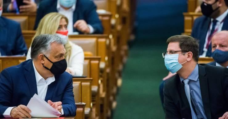 Publicus: a Fidesz–KDNP-sek 54 százaléka helytelennek tartja a közpénz magánalapítványokba szervezését