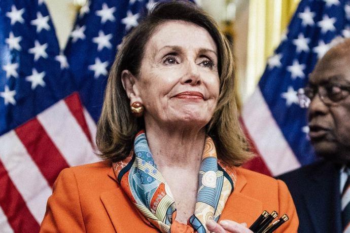 Nancy Pelosi már láthatóan nem bírja