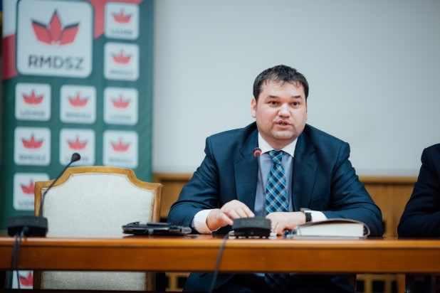 Kiiktatta a Dăncilă-kabinet a kisebbségek számára kedvező passzusokat a közigazgatási kódexből