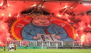 Képmutatás UEFA-módra: ki az igazi disznó?