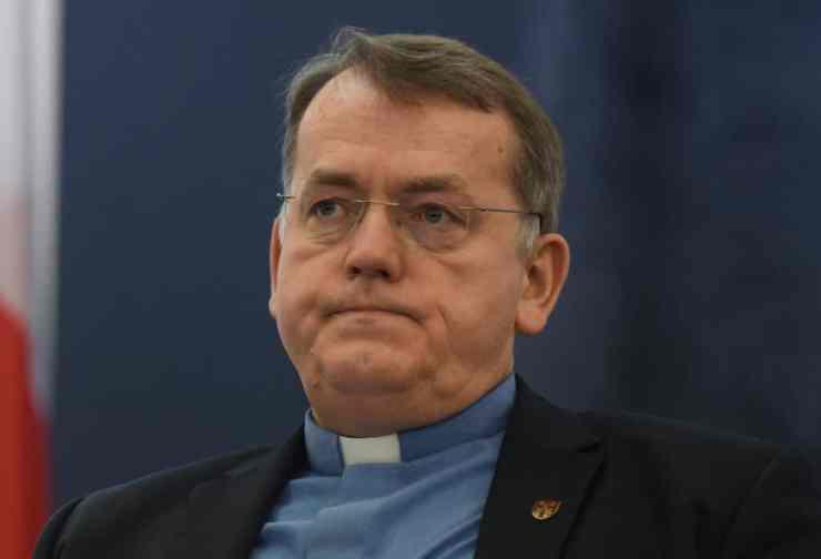 Egyházat veszélyeztető parazita homokos papokról értekezett egy teológiaprofesszor – sokba került neki