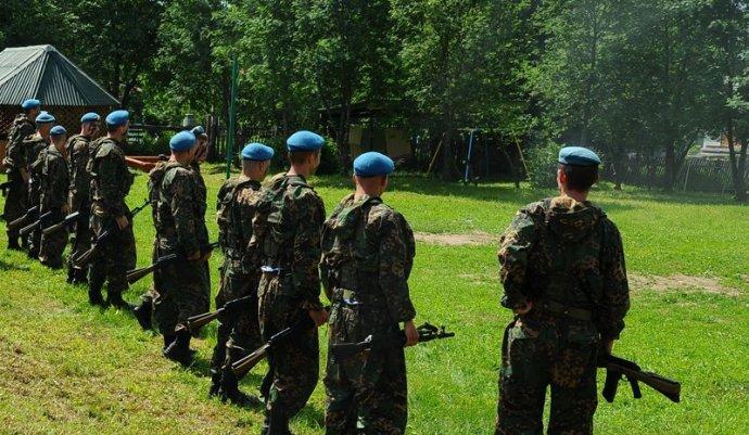 Orosz deszantosokat kijevi fogházba szállítottak