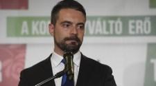 """""""Zsidóellenes bejegyzéseket ír Sneider Tamás bizalmasa"""" – Vona Gábor pedig elmorzsol egy könnycseppet"""