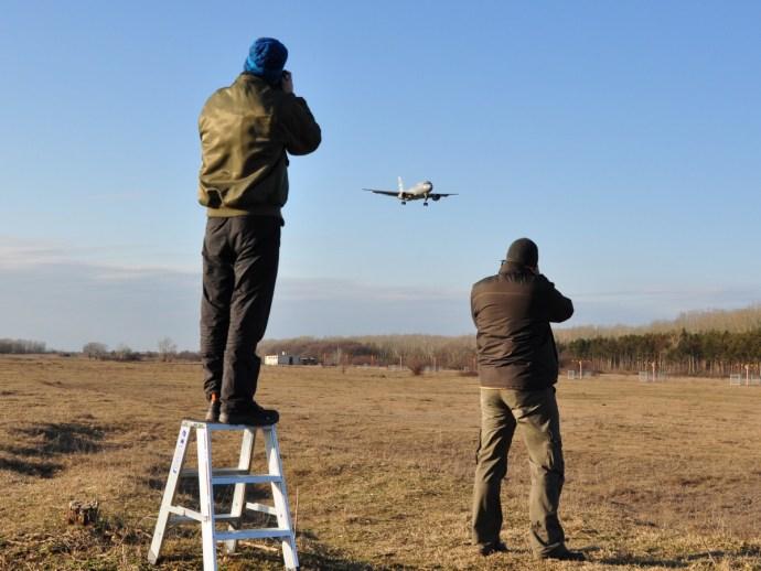 Megérkezett Kecskemétre az Orbánt és a kormánytagokat is szállító repülőgép