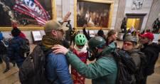 Az oroszoknak akarta eladni a demokraták képviselőjének laptopját egy capitoliumi ostromló