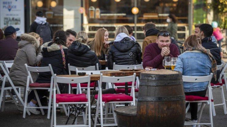 Csehországban az éttermekben már nem elegendő a tesztről elvégzett becsületbeli nyilatkozat