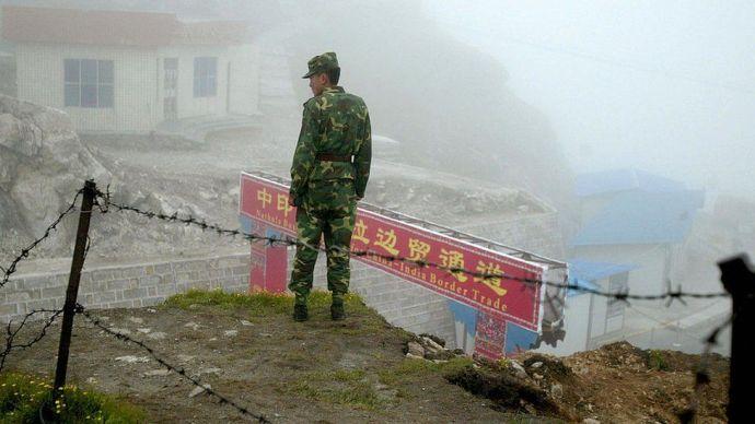 Megint összecsaptak a kínai és indiai katonák a Himalájában