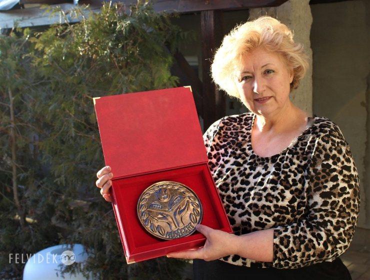 Aki az agyagból csodát teremt – jubilál Kutak Adrienn keramikusművész