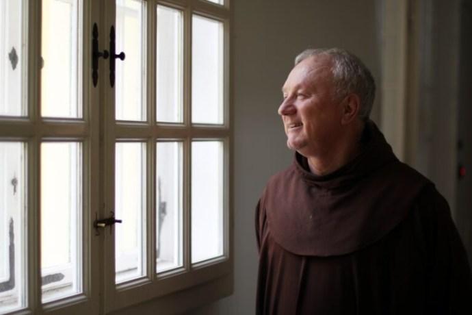 """""""A gyerekek mindennapi élete, sorsa belső ügyemmé vált"""" – Interjú Tokár János ferences pappal"""
