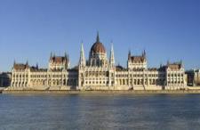 Nem emlékezhet meg az Országgyűlés Trianonról