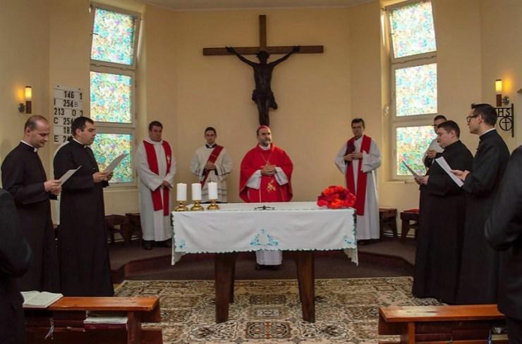 Letették a hitvallást a Gyulafehérvári Főgyházmegye szentelés előtt álló kispapjai