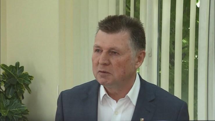 Az ukrajnai magyarok őshonosként való elismerését kéri az ukrán elnöktől a KMKSZ