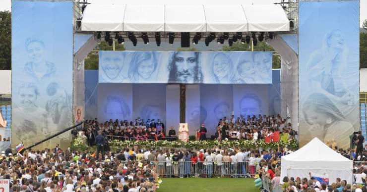 """Ferenc pápa Kassán: """"Mindenki egy ajándék, és mindenki ajándékká alakíthatja az életét"""""""