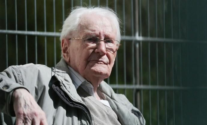 Döntött a német alkotmánybíróság: Oskar Gröningnek le kell töltenie a büntetését