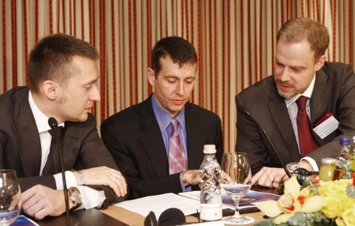 Obama tanácsadója volt a Telekom ajándéka a Fidesznek