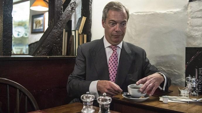Farage tanácsa Orbánnak: Magyarország is lépjen ki az EU-ból