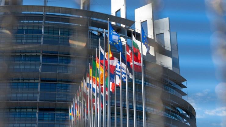 Pedofilellenes törvény: 13 ország ellene, 13 nem