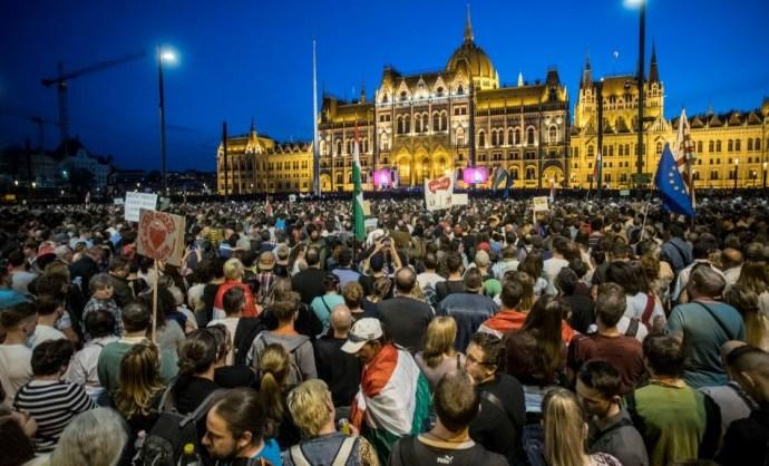 Így nézett ki a tegnapi kormányellenes tüntetés madártávlatból