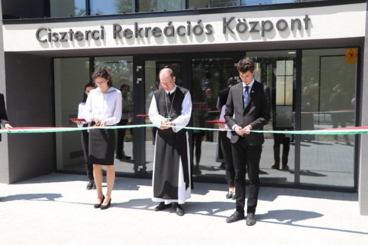 Ciszterci rekreációs és továbbképzési központot adtak át Balatonalmádiban