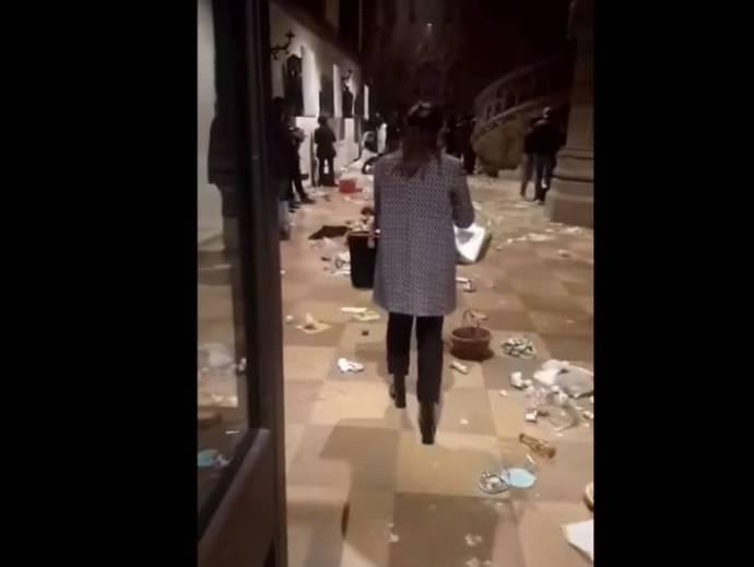 Petárdát dobott a templomba egy afrikai férfi Münchenben az istentisztelet alatt – VIDEÓ