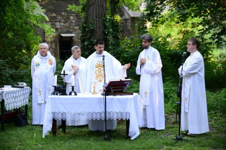 Köszöntötték a Regnum Marianum közösség új vezetőségét