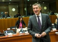 Jövő héten Junckert a cseh választás rúgja fejbe eurócsatlakozás ügyben