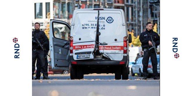 """Maszkos fegyveresek raboltak ki egy pénzszállítót Berlinben: a """"nagycsaládok"""" vagy RAF-terroristák lehettek"""
