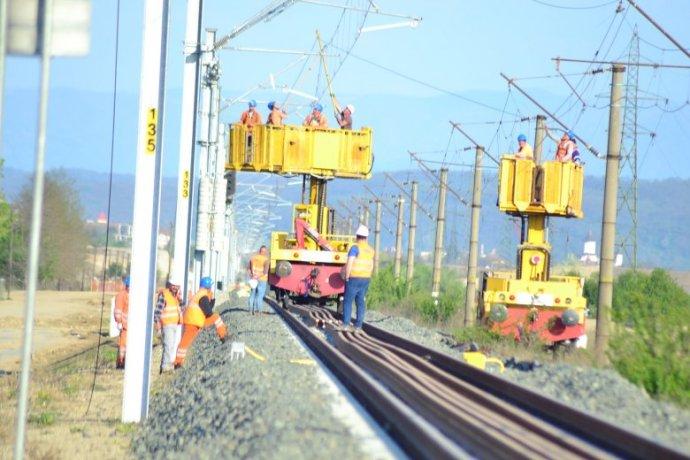 Perek sora lassítja a vasúti infrastruktúra fejlesztését, százmillió eurók vesztek el