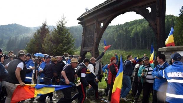 Úzvölgyi katonatemető – A román tárcavezető szerint a belügyi erők teljesítették küldetésüket (VIDEÓ)