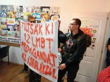 Zéró toleranciát hirdetünk az ifjúságot célzó homoszexuális propagandával szemben