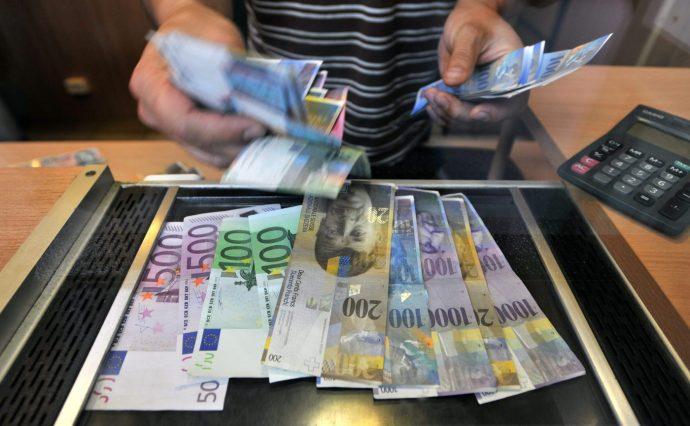 Semmissé nyilvánították a svájci frank alapú jelzáloghiteleket Horvátországban