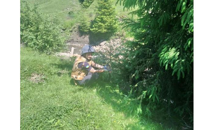 Tüzérségi lövedékre bukkant egy turista Kárpátalján