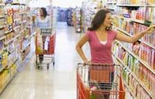 A vásárlók kárára… – Magasan tartják az árakat a multik