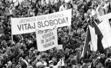 """29 éve kezdődött el a """"bársonyos forradalom"""""""
