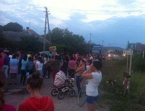 Ukrán polgárháború- Kárpátalja tiltakozik!- Útblokád Nagymuzsalyon