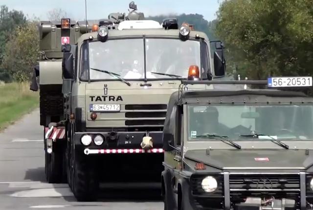 Ne lepődjünk meg, ha katonai konvojjal találkozunk – ismét