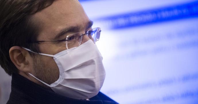 Krajčí sajtótájékoztatója: Jottányit sem lehet engedni a korlátozásokból, mert azonnal romlana a helyzet!