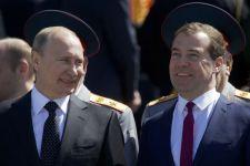 Medvegyev: Egy ország sem tudja garantálni egy másik ország területi egységét