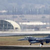 Készültségben a török légierő, a pilóták engedély nélkül lőhetnek