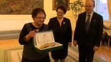 A magyar széppróza napján Rőszerné Fodor Ágnes kapta a Jókai-díjat