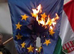 Szépen égnek az EU zászlók Európa szerte!