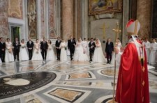 A pápa bizottságot hozott létre az egyházi házassági eljárás reformjára