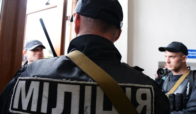 Porosenko engedélyezte, hogy a rendőrség figyelmezetés nélkül lőhet