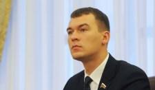 Médiák: Kolomojszkij és Jaros fegyvereseket képez ki oroszországi államcsíny elkövetése érdekében
