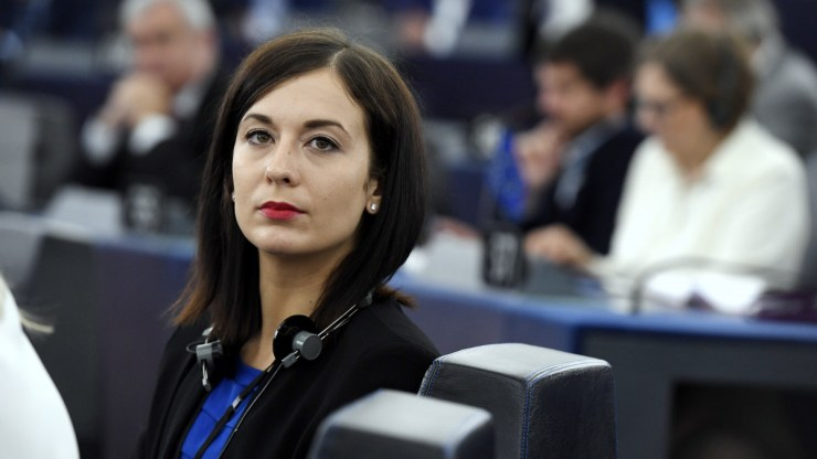 Korrupcióval vádolják Cseh Katalint, válaszként jogi lépéseket ígér