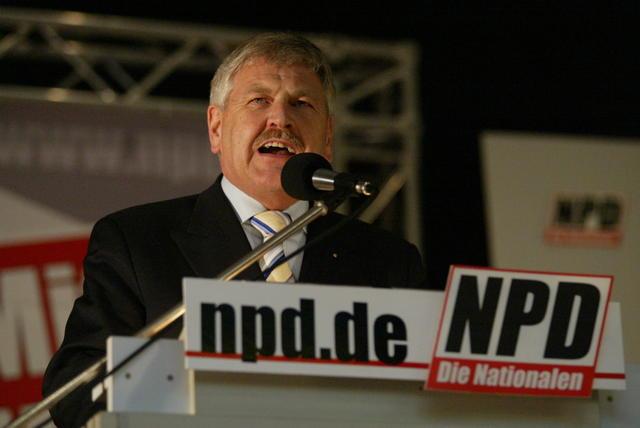 """Íme Európa """"legfeketébb báránya"""", az új közellenség: az egyetlen német nemzetiségű """"náci"""" képviselő az EP-ben"""