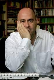 Tibor Fischer: A hülyeségről nem Orbán tehet