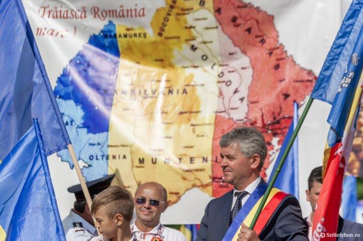 Román kereszteket égető magyarokkal riogattak az úzvölgyi tenetőben a bocskoros tolvajok napján
